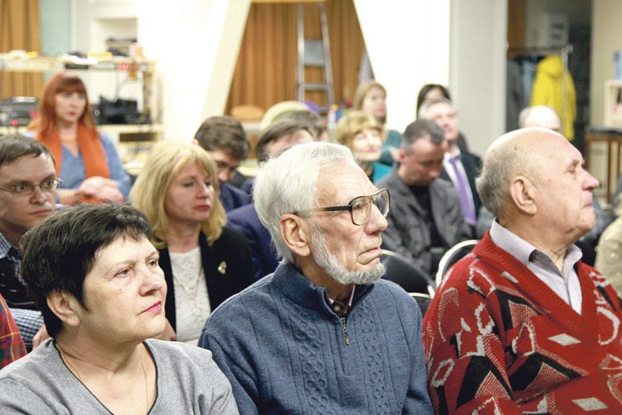 Встреча в воронежском книжном клубе была интересной и  прошла в формате дружеской беседы.