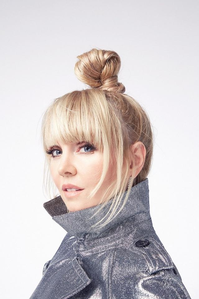 По словам певицы, она не обращает внимания на разные слухи и домыслы.
