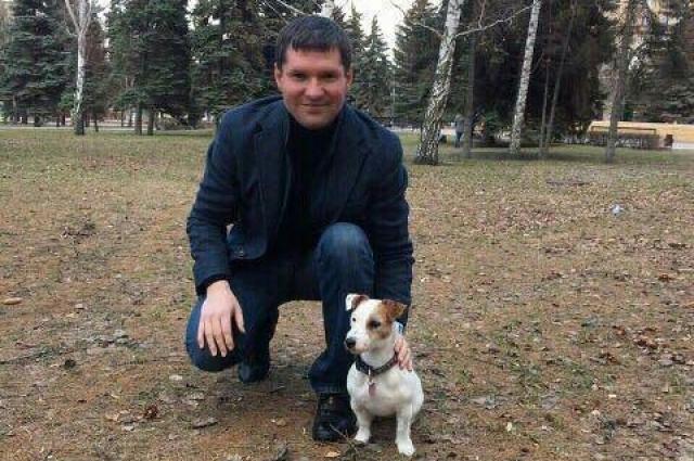 Сергея Буяков и джек-рассел-терьер Тося.