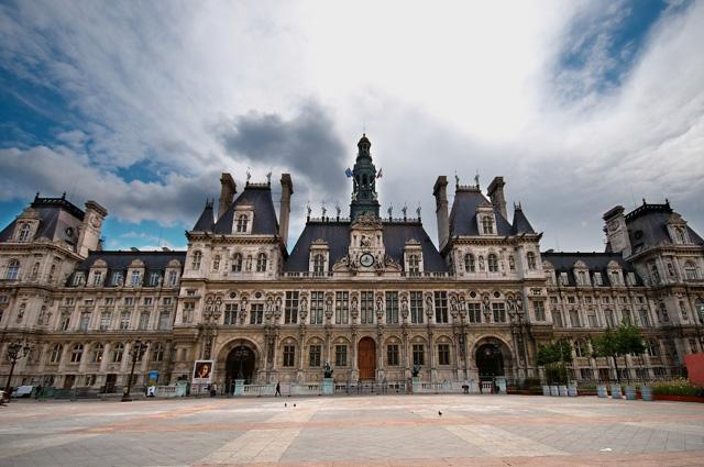 Парижский совет в ратуше Отель-де-Виль.