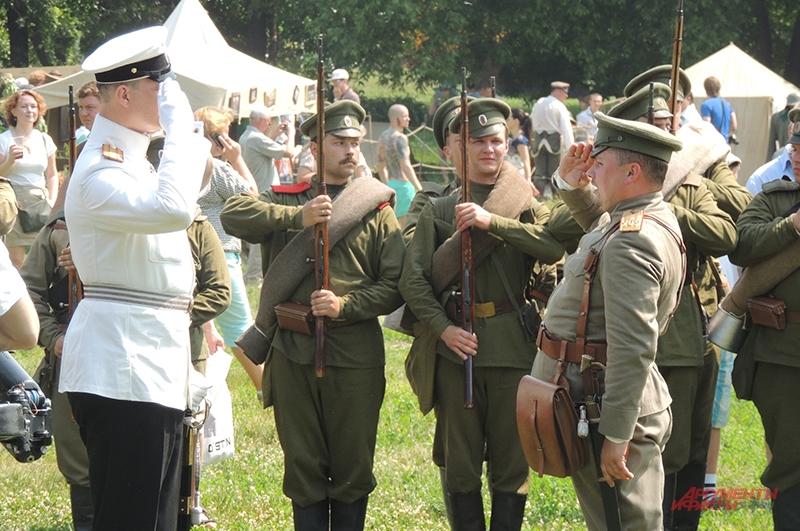 Великий Князь приветствует войско перед битвой