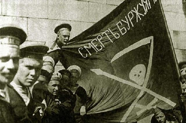 Моряки с линкора «Петропавловск» в 1917 г.