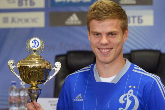 Автор четырёх голов за сборную команду России по футболу на отборочном этапе к Чемпионату мира 2014 года Александр Кокорин