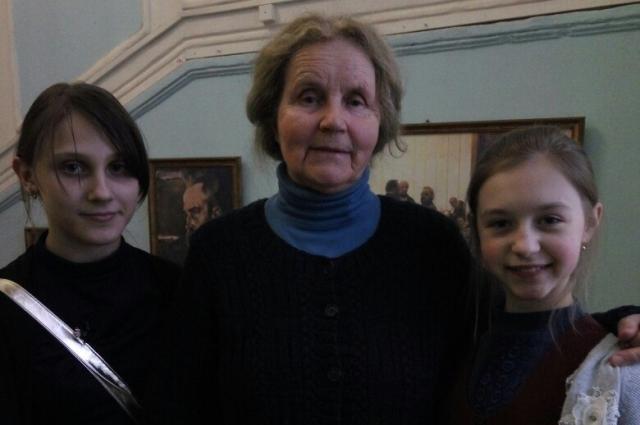 Татьяна Дубровская с ученицами