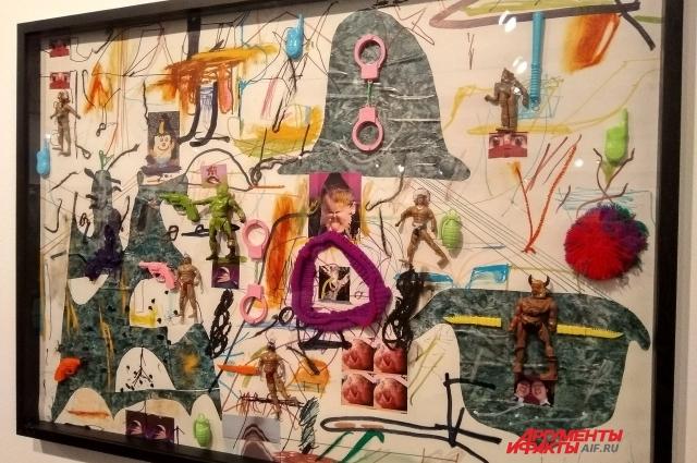 Для создания коллажей художник использовал элементы стикеров-фотожаб.