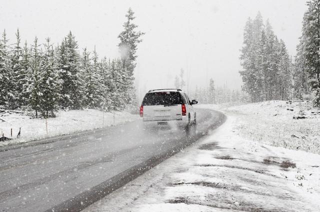 Готовить автомобиль к зиме желательно заранее.