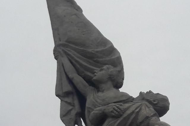 Открытие памятника состоялось на торжественном митинге 15 июля 1923 года.