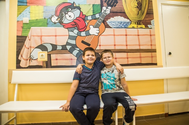На стенах хирургического отделения больницы им.Середавина появились картинки из мультфильма «Простоквашино».