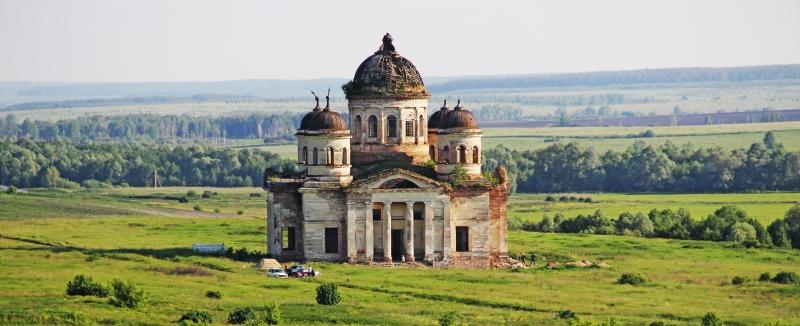 Храм Живоначальной Троицы в селе Пятино