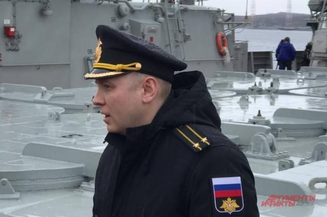 Командир ракетного крейсера «Петр Великий» капитан 2 ранга Артем Пономарев.