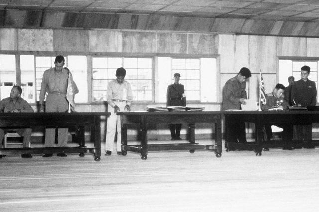 Подписание соглашения о перемирии в Корейской войне, 1953 г