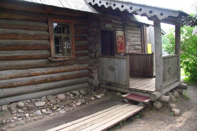 омик няни А. С. Пушкина, вход в музей.