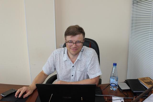 Заместитель директора агентства недвижимости «Удачный выбор Андрей Матвеев.