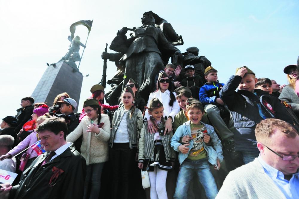 На главный праздник страны собрались представители всех поколений.