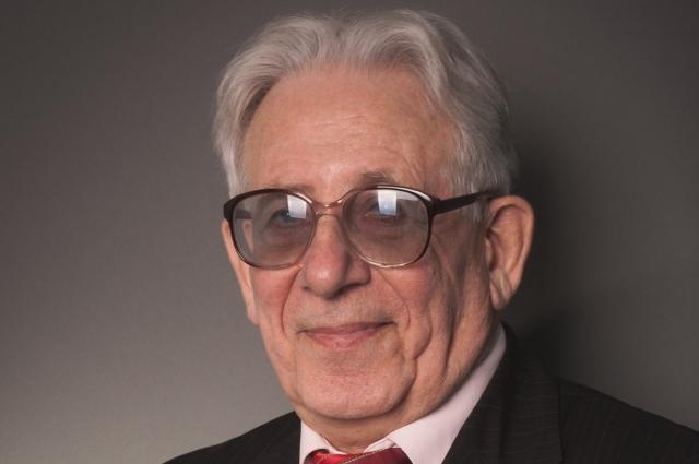 Самуил Кангун 55 лет учит истории историков.