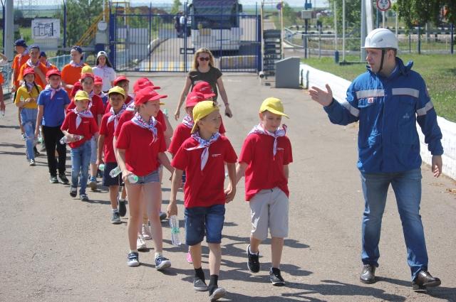 Экскурсия для детей из лагеря