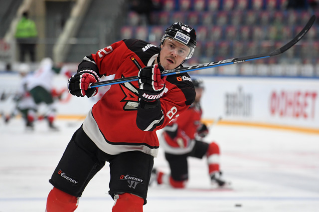 Евгений Медведев.
