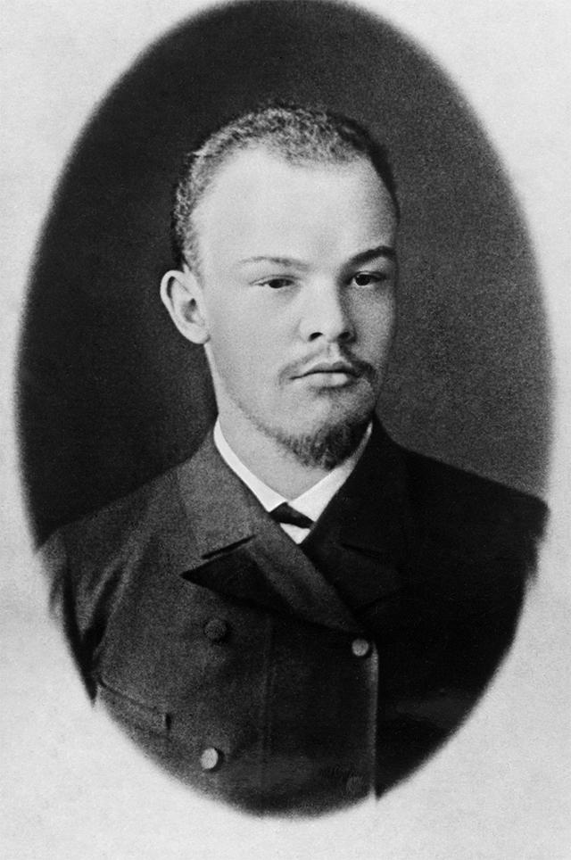 Молодой Владимир Ильич Ульянов (Ленин). Самара. 1891 год. Фотограф И.А.Шарыгин.
