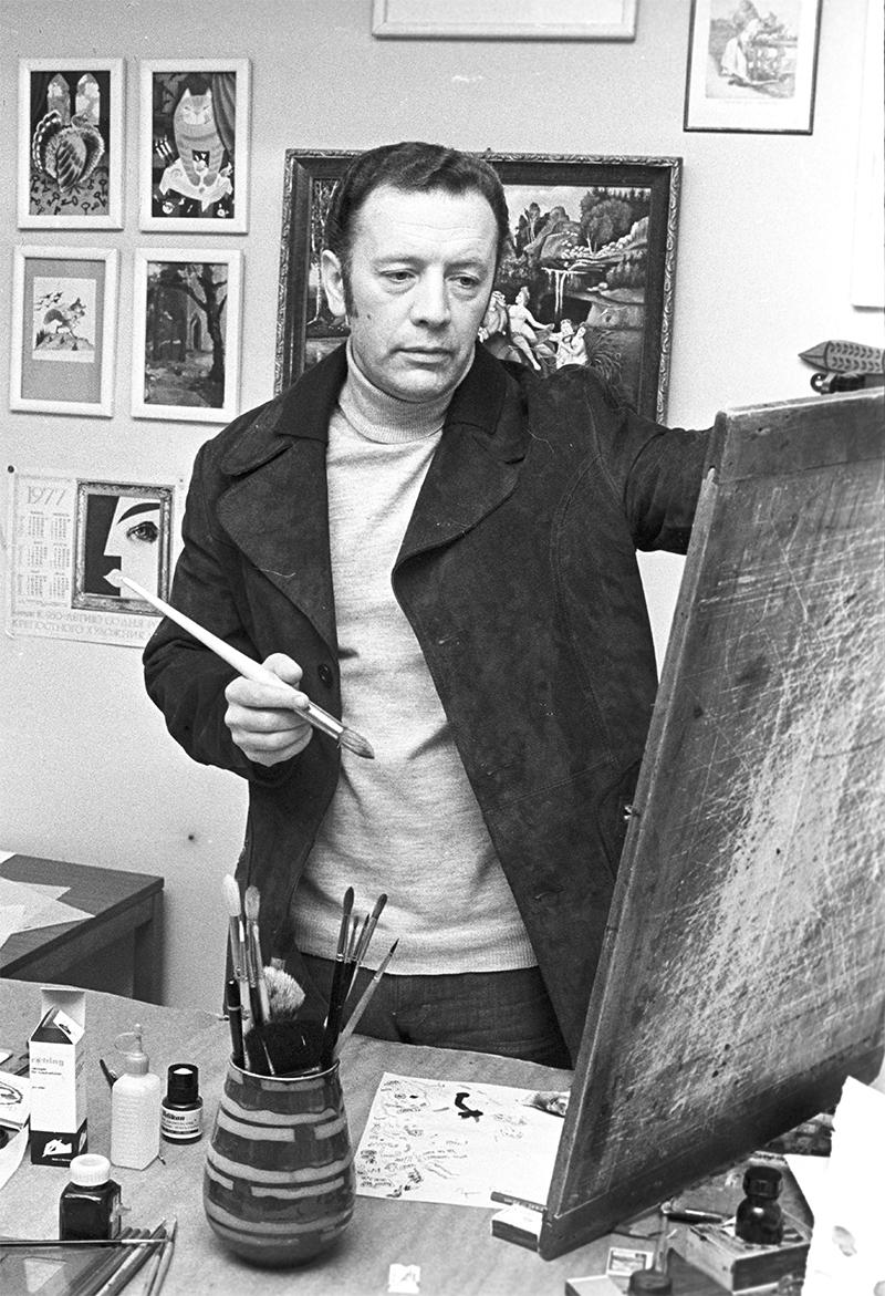 Художник Виктор Чижиков в своей мастерской. 1978 год.