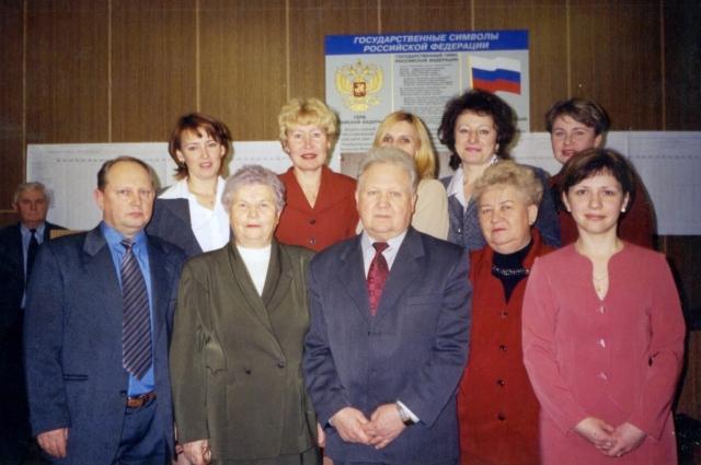 2001 год. Члены ТИК Суворовского района перед подписанием протокола об итогах голосования на выборах Губернатора Тульской области
