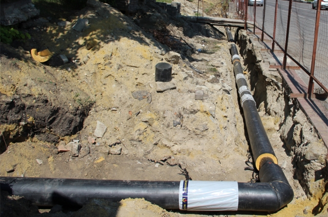 Новый циркуляционный трубопровод проложили в Губкине.