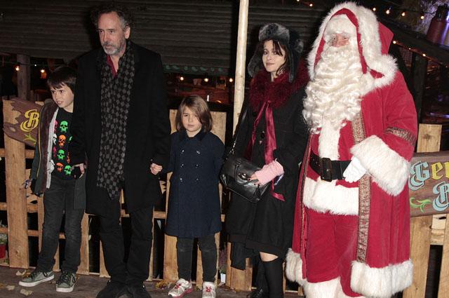 Тим Бёртон и Хелена Бонэм Картер с детьми