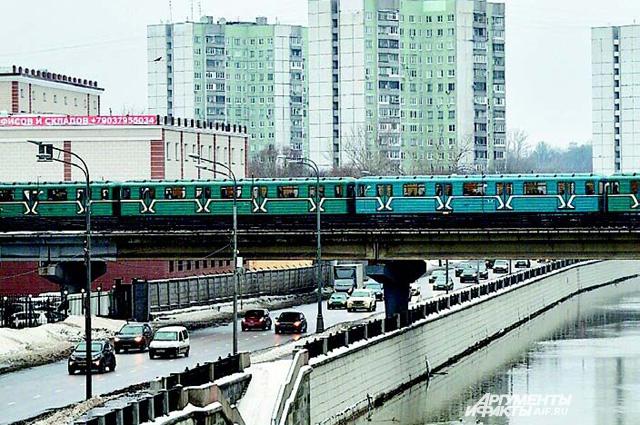 330 м - длина самого короткого Преображенского метромоста