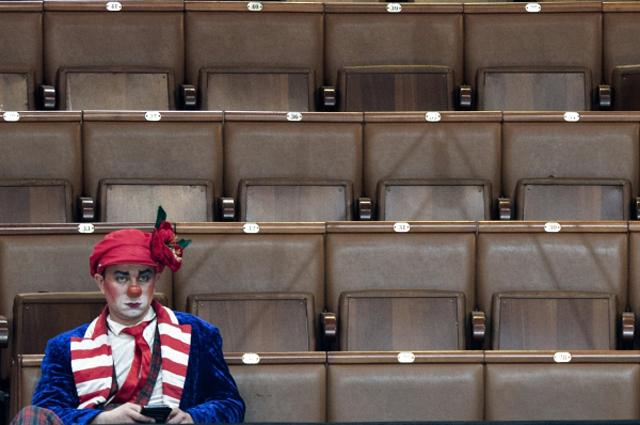 Клоун Сергей Салмин вовремя проведения мастер-класса «Секреты закулисья».