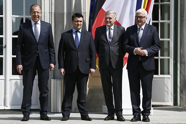 Главы МИД России, Украины, Франции и Германии Сергей Лавров, Павел Климкин, Жан-Марк Эро и Франк Вальтер Штайнмайер.
