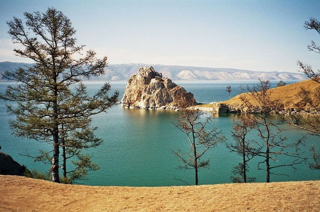 Центр Байкальского заповедника - Байкал, самое глубокое озеро мира.