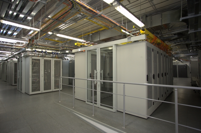 Облачные серверы позволяют не только обслуживать сайты, но и выступают хранилищами бухгалтерии или базы данных