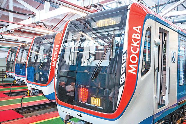 В новых поездах «Москва» используется система электродинамического торможения, которая обеспечивает плавное снижение скорости поезда вплоть до его полной остановки возле платформы станции.