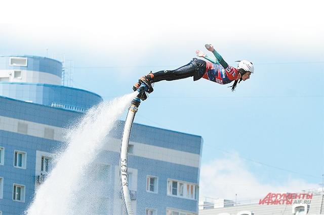 Гидрофлайт – один из самых зрелищных видов спорта, недаром любимый трюк у спортсменов называется «супермен».