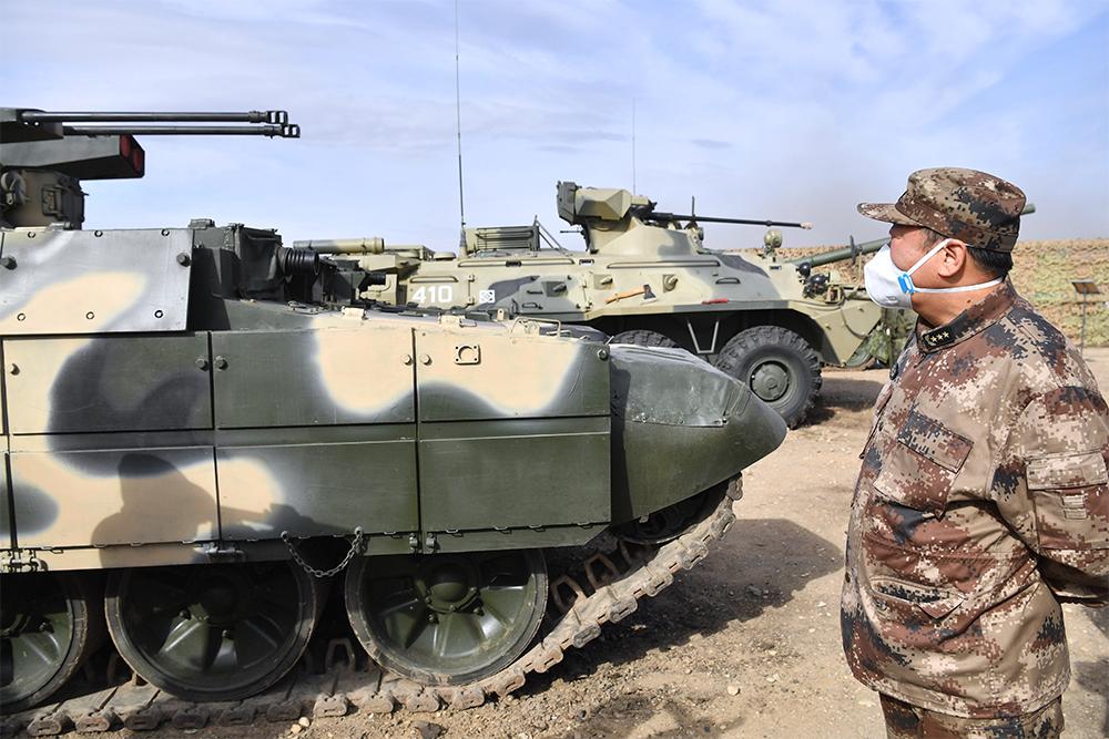 Военнослужащий вооруженных сил Китая.