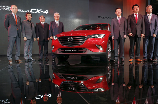 Mazda CX-4.