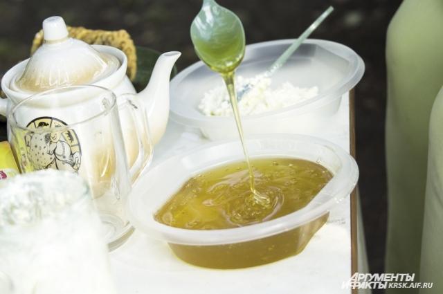 В горячем чае мед теряет все свои полезные свойства.