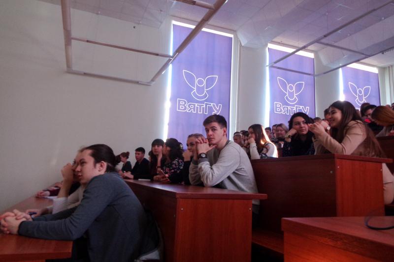 В проектную школу записалось более 400 студентов