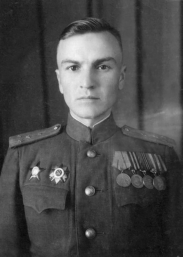 Василий Хаустов служил в стрелковом полку.