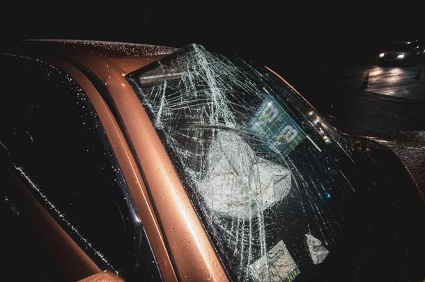 дтп киевВ Киеве на улице Днепроводской в среду, 27 марта, произошла авария с участием автомобиля Skoda Fabia.