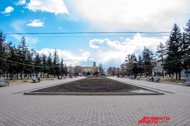 Из-за особого режима улицы Иркутска опустели.