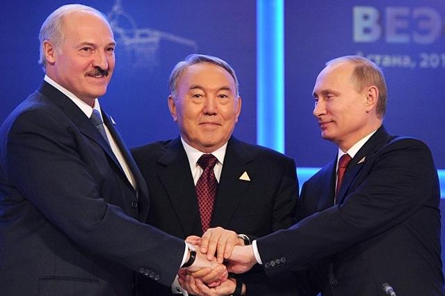 Вместе сглавами государств-членов Евразийского экономического союза вМоскве.