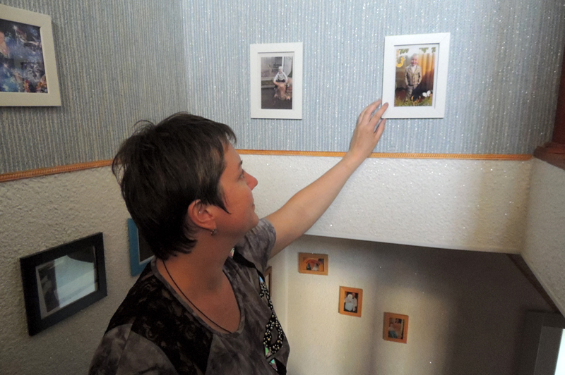 Весь дом Барановых полон фотографиями сына