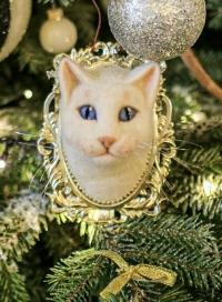 Ёлочная игрушка «Кот «Ахилл» заняла первое место среди изготовленных мастерицами России.