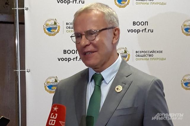 Председатель Центрального совета Общества, посол доброй воли ООН Вячеслав Фетисов.