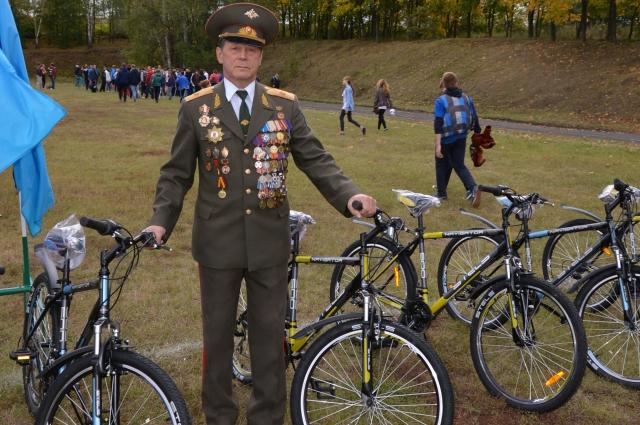 13 победителей наградили велосипедами.