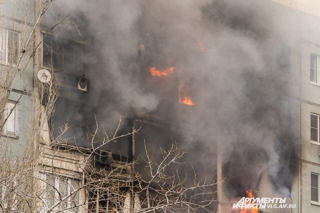 Последствия после взрыва бытового газа в Волгограде.