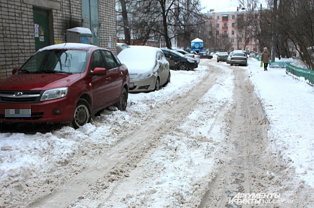 Последствия снегопада в Тульской области.