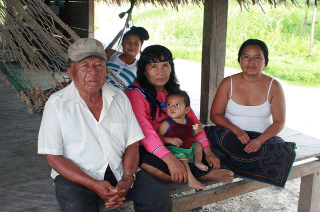 У шамана дона Хильберто большая семья.