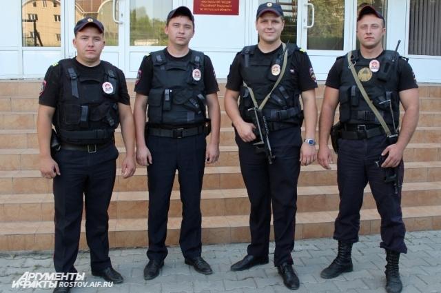 Сотрудники вневедомственной охраны на дежурстве.