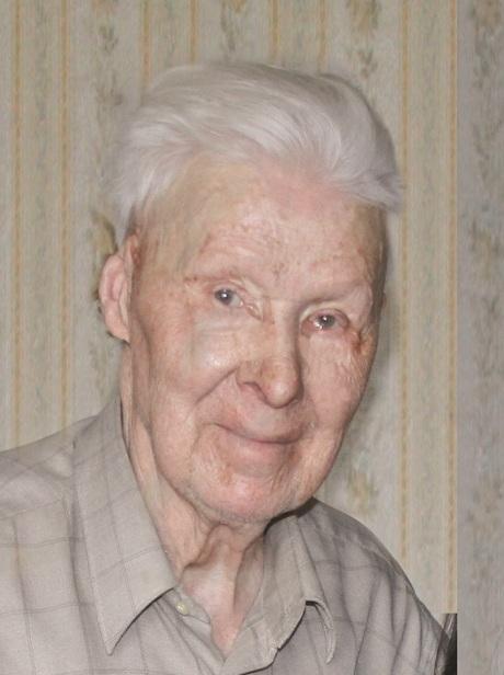 Василий Чернышёв в войну служил танкистом.
